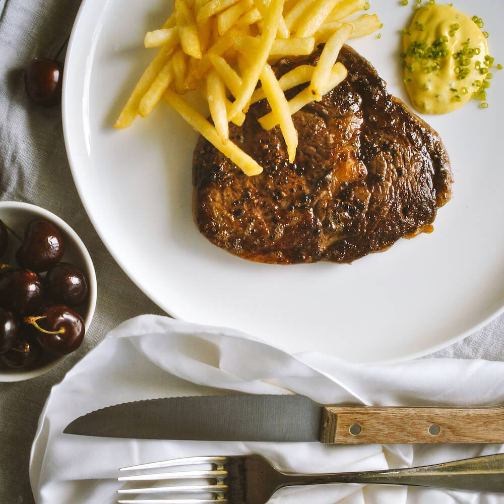 PAN ROASTED SCOTCH FILLET WITH BEARNAISE AND FRITES